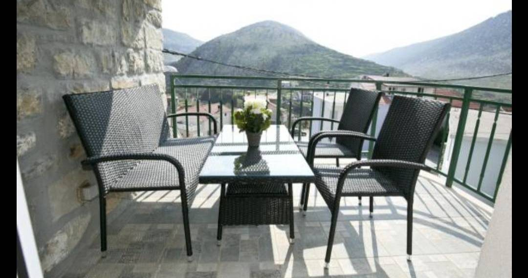 bed and breakfast holiday in Zrnovnica