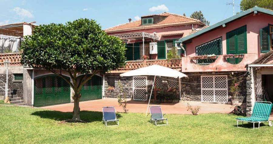 bed and breakfast holiday in Acireale